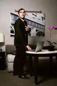 Perez Hilton runs a profitable blog